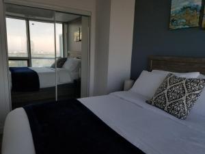 Premium Suites - Furnished Apartments Downtown Toronto, Apartmanok  Toronto - big - 76