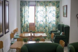 Hotel Isla Menor, Hotely  Dos Hermanas - big - 24