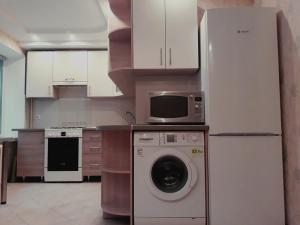 Уютная квартира, Apartmány  Rivne - big - 7
