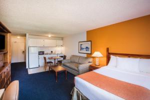 Howard Johnson Hotel - Victoria, Отели  Виктория - big - 20