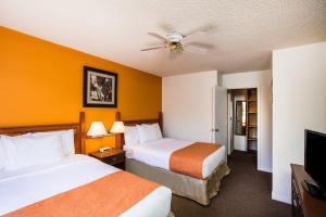 Howard Johnson Hotel - Victoria, Отели  Виктория - big - 50