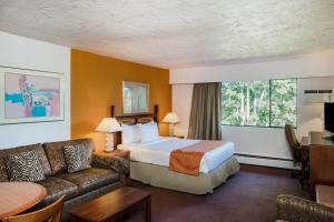 Howard Johnson Hotel - Victoria, Отели  Виктория - big - 32