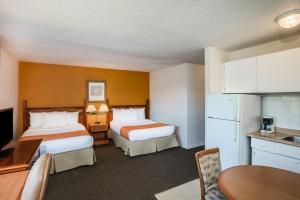 Howard Johnson Hotel - Victoria, Отели  Виктория - big - 31