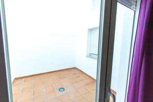 Apartamento Perdones, Appartamenti  Churriana de la Vega - big - 4
