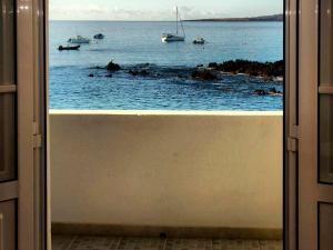 Holiday Home Casa La Marea, Sea View Sunsets, Nyaralók  Arrieta - big - 23