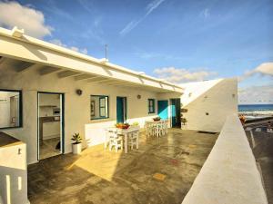 Apartment La Casa de las Salinas, Apartmány  Arrieta - big - 35