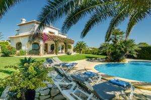 obrázek - A fantastic, recently refurbished and renovated, 4 bedroom villa - new for 2017