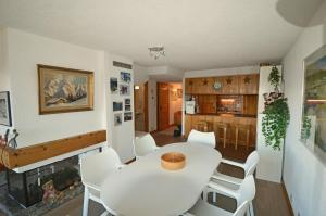 Aventura 216, Apartments  Verbier - big - 8