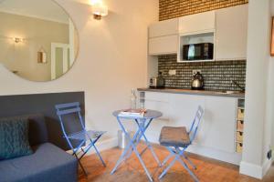 1 Bedroom Flat in Edinburgh's New Town Sleeps 2, Apartmanok  Edinburgh - big - 11