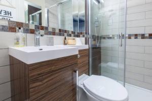 1 Bedroom Flat in Edinburgh's New Town Sleeps 2, Apartmanok  Edinburgh - big - 8