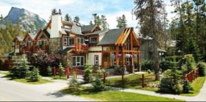 Beaujolais Boutique B&B at Thea's House - Accommodation - Banff