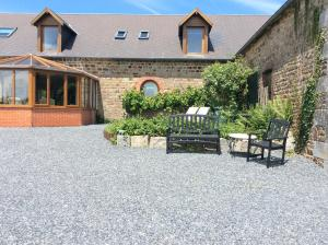La Poire Grange, Отели типа «постель и завтрак»  Вильдье-ле-Поель - big - 24