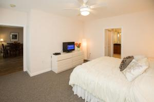 A301 Casuarina Breeze Condo, Apartmány  Virginia Beach - big - 13