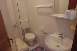 Apartments Scarlett, Апартаменты  Новалья - big - 20