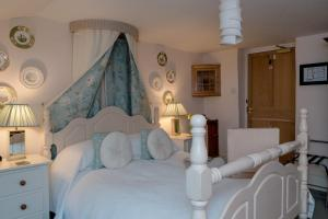 Muddifords Court Country House, Bed & Breakfasts  Cullompton - big - 1
