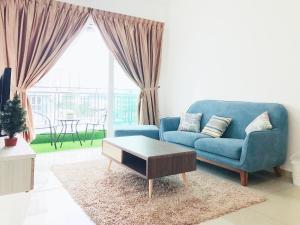 Season Luxury Apartment