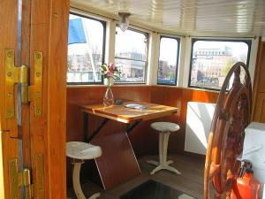 Houseboat Ms Luctor, Botely  Amsterdam - big - 7