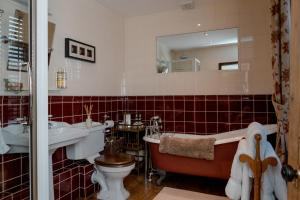 Muddifords Court Country House, Bed & Breakfasts  Cullompton - big - 35