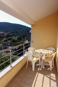Apartment Vinisce 5229b, Ferienwohnungen  Vinišće - big - 3