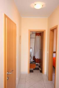 Apartment Vinisce 5229b, Ferienwohnungen  Vinišće - big - 16