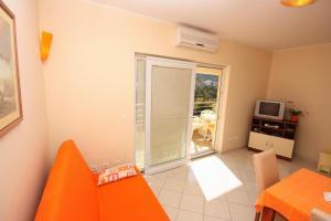 Apartment Vinisce 5229b, Ferienwohnungen  Vinišće - big - 6