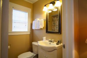Peach Tree Inn & Suites, Hotely  Fredericksburg - big - 59