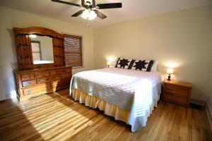 Peach Tree Inn & Suites, Hotely  Fredericksburg - big - 15
