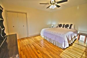 Peach Tree Inn & Suites, Hotely  Fredericksburg - big - 32