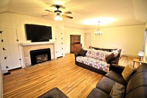Peach Tree Inn & Suites, Hotely  Fredericksburg - big - 37