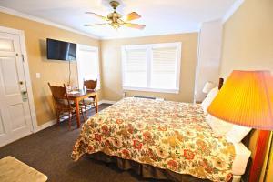 Peach Tree Inn & Suites, Hotely  Fredericksburg - big - 64