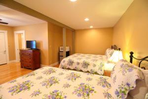 Peach Tree Inn & Suites, Hotely  Fredericksburg - big - 63