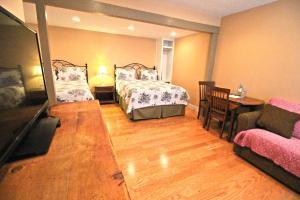 Peach Tree Inn & Suites, Hotely  Fredericksburg - big - 68