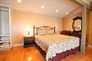 Peach Tree Inn & Suites, Hotely  Fredericksburg - big - 60
