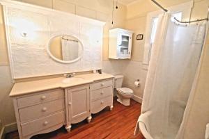 Peach Tree Inn & Suites, Hotely  Fredericksburg - big - 51