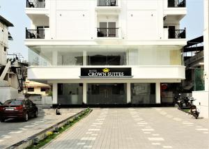 Hotel Crown Suites