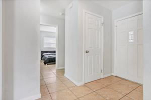 Prime Location , Private Pool , Located In Tampa, Holiday homes  Tampa - big - 48