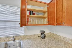 Prime Location , Private Pool , Located In Tampa, Holiday homes  Tampa - big - 39