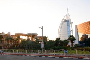 R&H - Luxury 5BR Villa, Walk to Burj-Al-Arab, Sunset Beach, Wild Wadi - Dubai