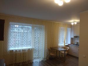 квартира біля центру, Apartmány  Rivne - big - 6