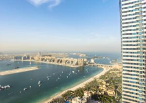 Hacienda Holiday Homes - Penthouse with Sea View - Dubai