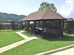 Pensiunea Camena, Penzióny  Piatra Neamţ - big - 88
