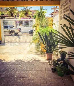 Casa amarela, Dovolenkové domy  Florianópolis - big - 3