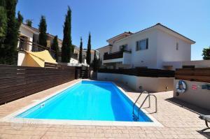 2b Ground floor Garden Pool apartment Pyrgos village