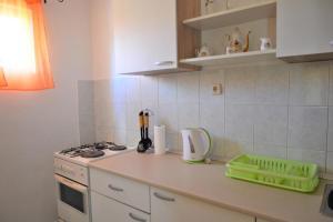 Apartment Poljica 10237a, Apartments  Marina - big - 18