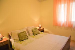 Apartment Poljica 10237a, Apartments  Marina - big - 23