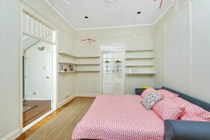 New Farm - 1 Bed - Cool Space, Apartmány  Brisbane - big - 9