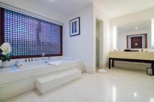The Palayana Hua Hin Resort and Villas, Курортные отели  Ча-Ам - big - 92