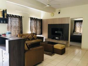 White floors service apartment, Apartmány  Chikmagalūr - big - 3