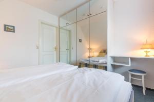 _Koeoevenhues_ App_ 5_OG_re, Apartmanok  Wenningstedt - big - 28