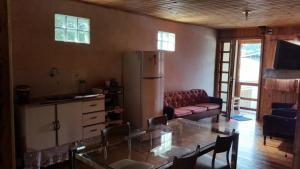 Casa de madeira em Caxias do Sul, Prázdninové domy  Caxias do Sul - big - 34